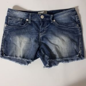 Seven7 blue denim cutoff shorts stretchy